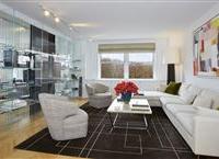 BEAUTIFUL SIX-ROOM HOME ON FIFTH AVENUE