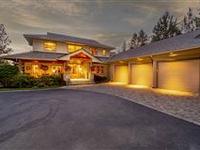 BEAUTIFUL HOME IN AWBREY GLEN