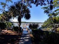THE ESSENCE OF LOWCOUNTRY LIVING