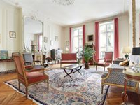 SUPERB PIED A TERRE IN A PRIME LOCATION