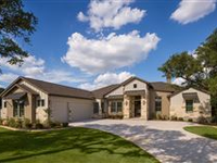 LUXURIOUS AND SPACIOUS RANCH HOME