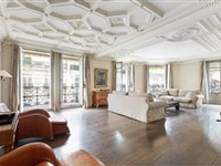 BRIGHT AND SPACIOUS DUPLEX ON THE TOP FLOORS