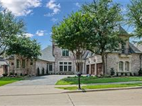 SPECTACULAR HOME IN THE VILLAGES OF STONEBRIAR PARK