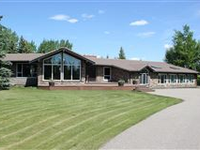 STUNNING TANGLE WOOD RANCH BUNGALOW ON 9 PRIVATE COUNTRY ACRES