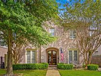 STATELY BRICK HOME CLOSE TO COLONIAL PARK