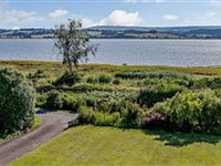SPACIOUS HOME WITH BEAUTIFUL GARDENS AND VIEWS ACROSS THE EXE ESTUARY