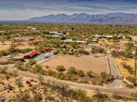EQUESTRIAN PARADISE ON PRIVATELY GATED THREE PLUSACRES