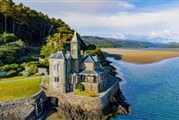 ASTONISHING AND MAGICAL COES FAEN ESTATE