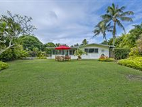 GOLF COURSE FRONTAGE IN COUNTRY CLUB KNOLLS - WALK TO BEACH