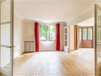 TASTEFULLY RENOVATED FIRST FLOOR APARTMENT