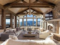 IMPECCABLE HOME WITH INCREDIBLE VIEWS
