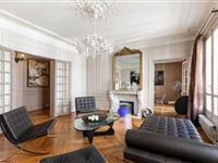 A SUPERB APARTMENT IN A FABULOUS LOCATION