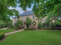 CLASSIC TRADITIONAL IN WESTOVER HILLS