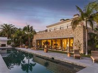 LUXE OCEAN VIEW ESTATE WITH CUES FROM MOROCCAN EXTRAVAGANCE