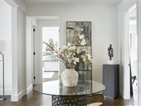 TIMELESS ELEGANCE WITH MODERN AESTHETIC