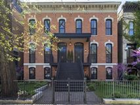 EXTRAORDINARY RESIDENCE IN THE HISTORIC DISTRICT IN LINCOLN PARK