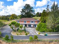 SUPERB AND CENTRALLY LOCATED KUMEU PROPERTY