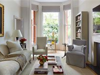 RARE THREE BEDROOM APARTMENT WITH DIRECT GARDEN ACCESS