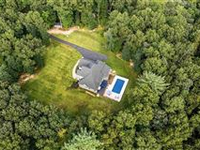 WONDERFULLY PRIVATE PINE BUSH HOME WITH CUSTOM FINISHES
