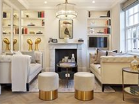 CHIC LUXURY APARTMENT WITH DESIGNER TOUCHES