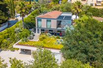 CONTEMPORARY HOME WALKING DISTANCE TO BEACH AND VILLAGE