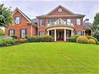 CLASSIC BRIGHT AND SPACIOUS HOME IN IDEAL NEIGHBORHOOD