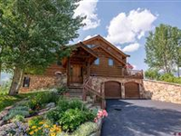 FOUR BEDROOM HOME IN GORGEOUS GOLD LINK SETTING