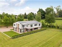 LUXURY FAMILY COUNTRY HOME ON FRINGES OF HARROGATE
