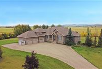 IMMACULATE AND PRESTIGIOUS BUNGALOW ON 80 ACRES