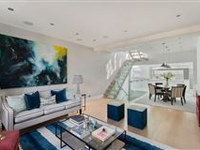 STUNNING FLAT IN NOTTING HILL OFFERS EXCELLENT LIVING AND ENTERTAINING SPACE