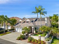 GORGEOUS HOME IN CONVENIENT LOCATION