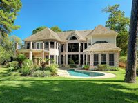 IMPECCABLY MAINTAINED HOME