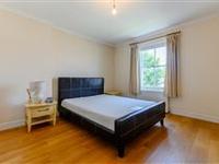 IMPRESSIVE TWO BEDROOM FLAT IN PERIOD BUILDING
