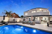 SPACIOUS FAMILY HOME WITH PRIVATE POOL OASIS