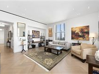 SOPHISTICATED CITY LIVING IN THE WOOLWORTH BUILDING