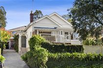 CHARMING HOME FULL OF SUNSHINE AND BEAUTIFUL DECK AND GARDEN AREA