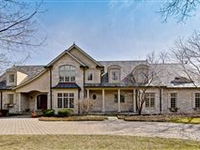 AN INCREDIBLE HOME IN AN EXCEPTIONAL WALK-TO-EVERYTHING LOCATION!