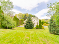LOVELY HOUSE WITH A LARGE GARDEN IN A PRESTIGIOUS GATED COMPLEX