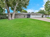 GORGEOUS LA VETA RANCH HOME WITH GATED FRONT COURTYARD