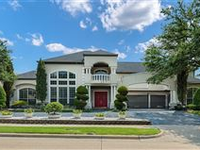 SPECTACULAR FAMILY HOME IN SOUGHT-AFTER COMMUNITY