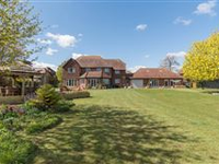 HANGAR COURT IS A SUPERB AND SUBSTANTIAL HOME IN A RURAL YET HIGHLY ACCESSIBLE LOCATION