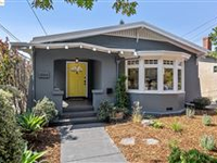 RENOVATED BERKELEY BUNGALOW WITH EXPANSIVE PRIVATE BACKYARD