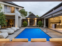 LUXURIOUS HOME WITH VIEWS IN A PRIZED POSITION