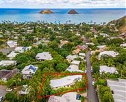LANIKAI HILLSIDE HOME WITH MOKULUA ISLAND AND OCEAN VIEWS