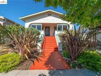 CHARMING CLASSIC BUNGALOW WITH LOVELY GARDENS