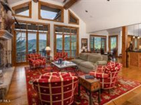 LOVELY HOME LOW ON THE MOUNTAIN