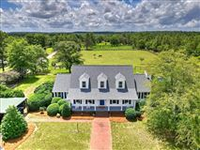 IDEAL HOME FOR THE NATURE, EQUESTRIAN AND DOG ENTHUSIAST