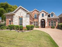 GORGEOUS AND OPEN FAMILY HOME IN IRVING