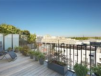 THIS SPLIT LEVEL APARTMENT WITH TERRACE ENJOYS AN OPEN VIEW OF PARIS AND THE EIFFEL TOWER