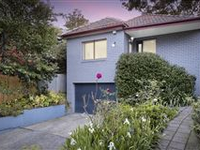 HUNTERS HILL HOME BLENDS CHARM AND MODERN COMFORTS